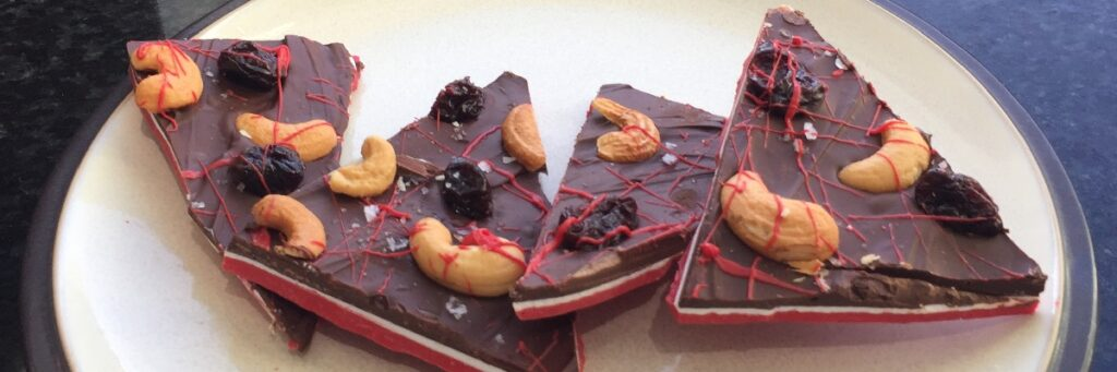 Chocolate-Cherry-Bark-cashews-carb-counted-Valentines-Day-sweet-salty-1024x341