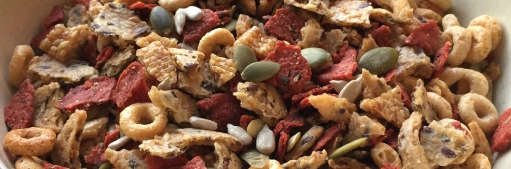 Smash-Em-Nut-Free-Gluten-Free-Trail-Mix-for-School-Snack-WTD-Copy-e1560110892323-1024x340 (2)