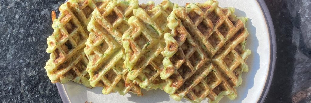 Zucchini-Fritters-crispy-school-snack-carb-counted-veggie-waffle-1024x341